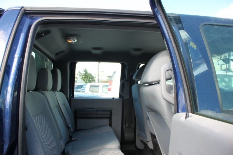 Ford F-350 Super Duty 4x4/14Km /with camper 2011 price $32,999