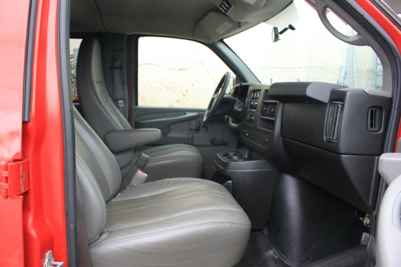 Chevrolet Express Passenger 2011 price $15,999