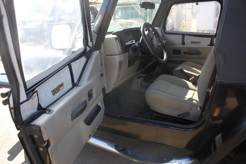 Jeep Wrangler 2006 price $11,999