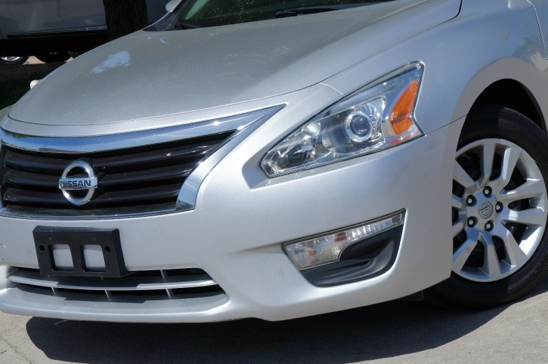 Nissan Altima 2014 price $11,995