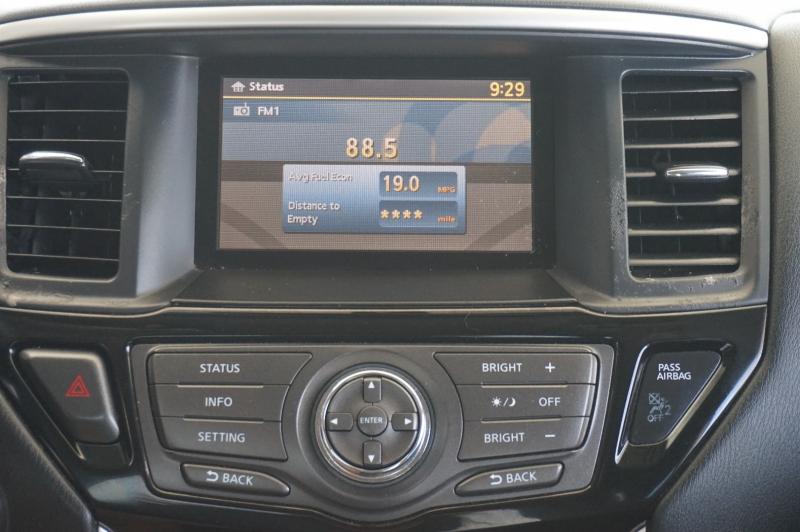 Nissan Pathfinder 2015 price $14,550