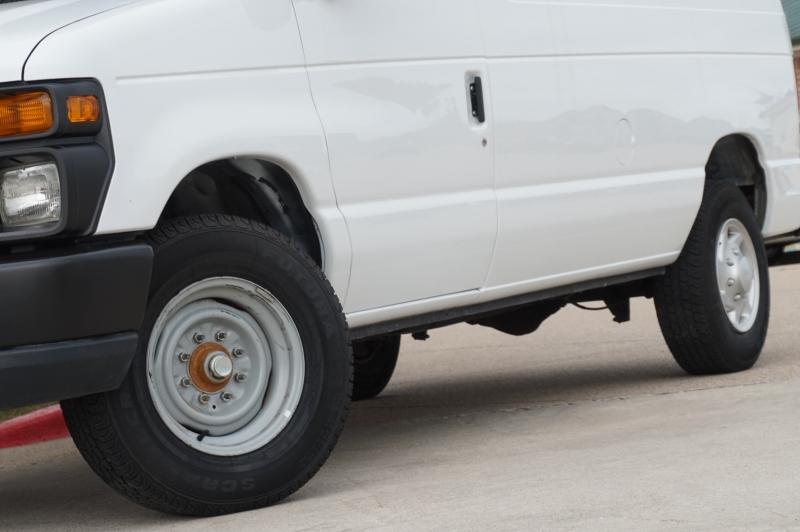 Ford Econoline Cargo Van 2014 price $17,900