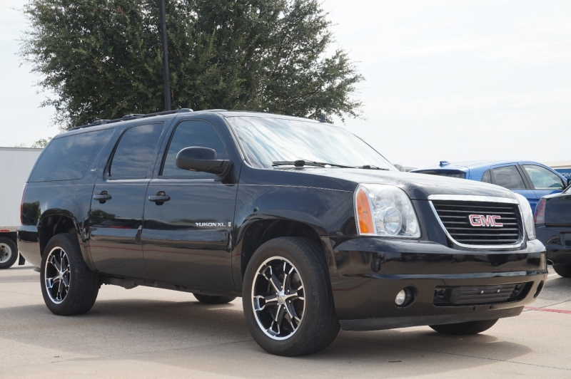GMC Yukon XL 2009 price $14,995