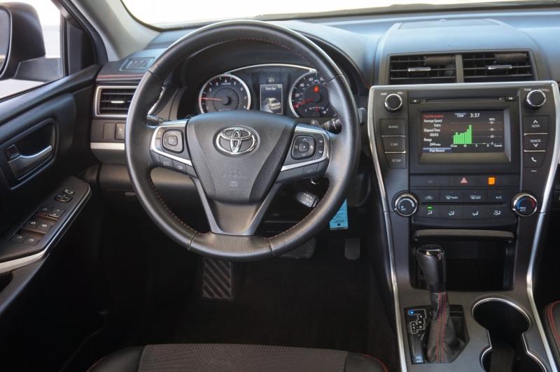 Toyota Camry 2017 price $16,450