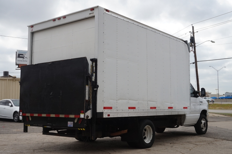 Ford Econoline Commercial Cutaway 2016 price $17,750