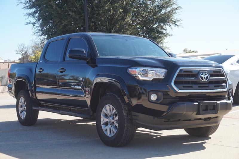 Toyota Tacoma 2017 price $28,950