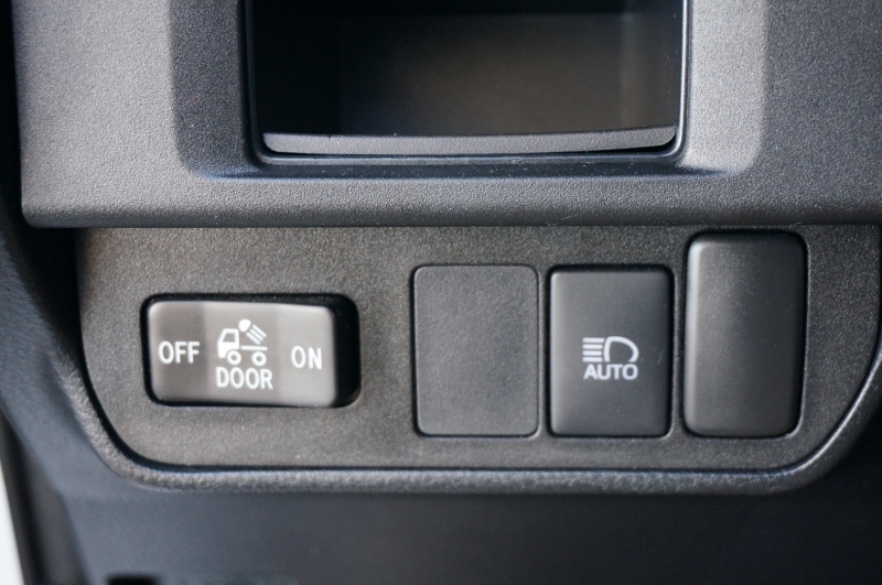 Toyota Tacoma 2WD 2019 price $30,975