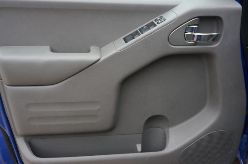 Nissan Frontier 2015 price $15,950