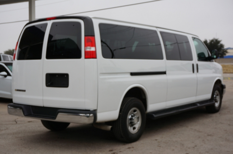 Chevrolet Express Passenger 2020 price $25,750
