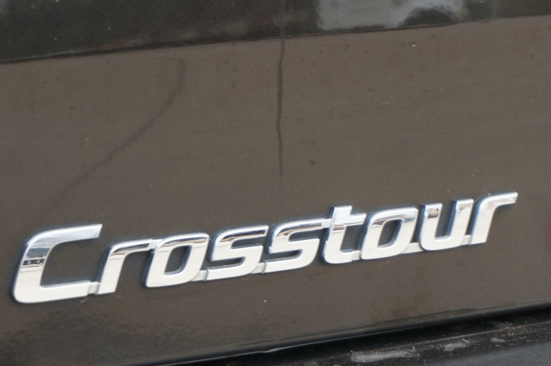 Honda Crosstour 2015 price $9,950
