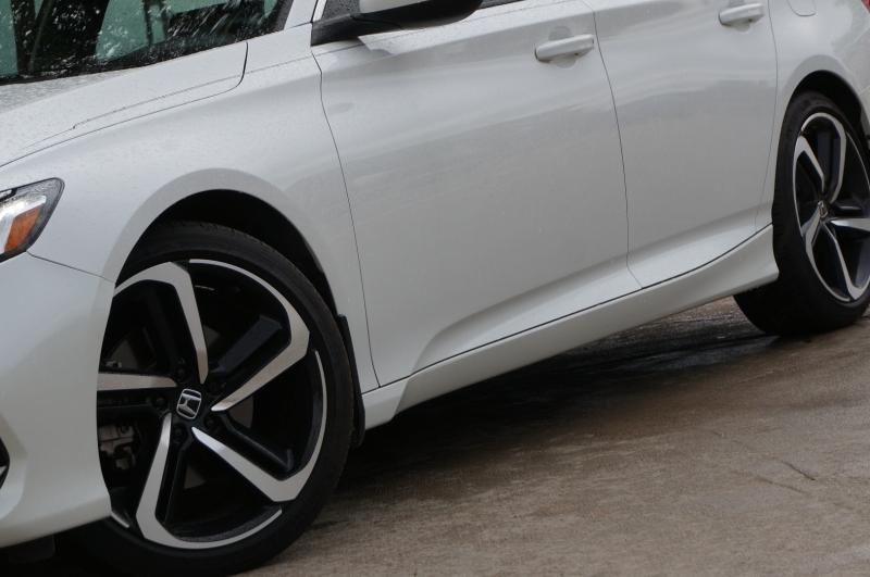 Honda Accord Sedan 2018 price $20,900