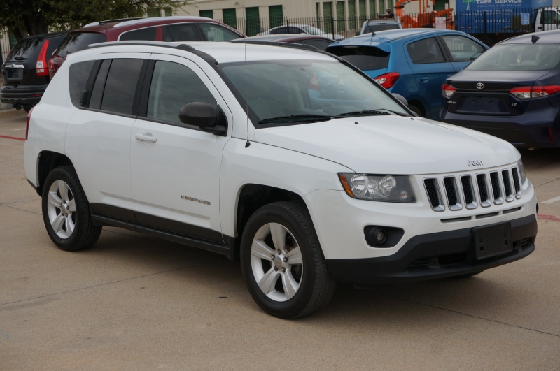 Jeep Compass 2016 price $11,995