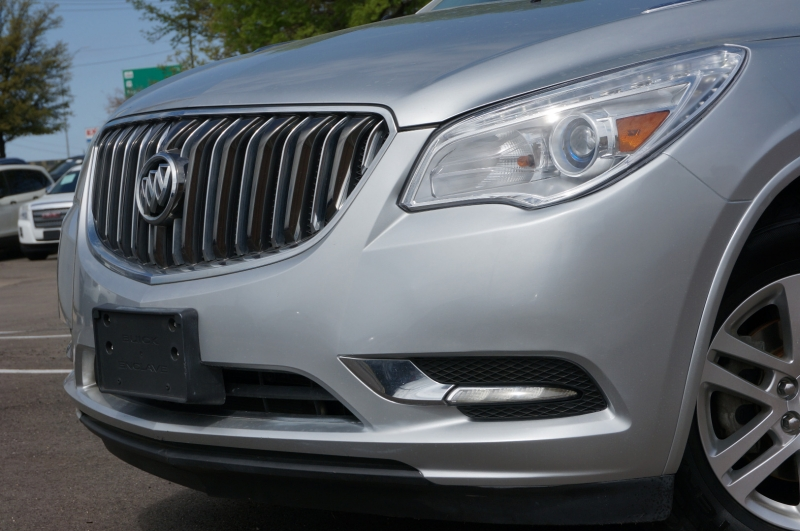 Buick Enclave 2015 price $14,900