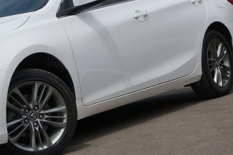 Toyota Camry 2017 price $13,900