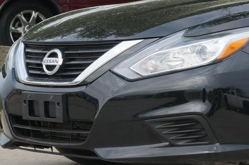 Nissan Altima 2018 price $16,900