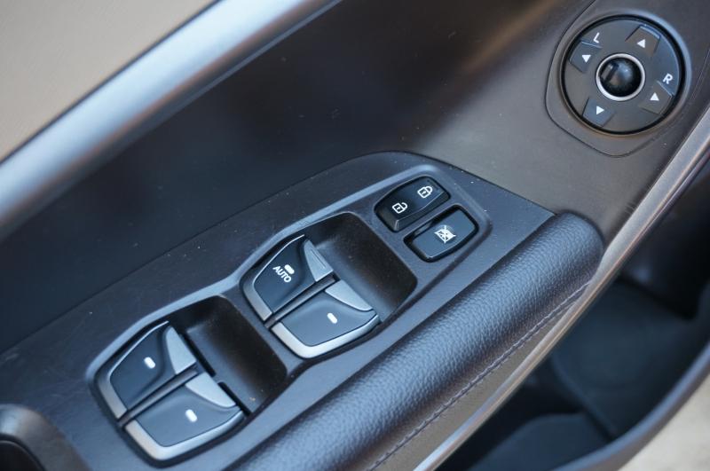 Hyundai Santa Fe 2013 price $13,450