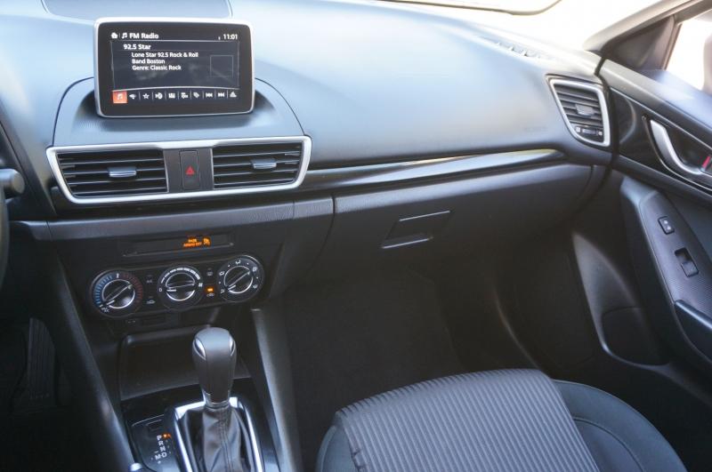 Mazda Mazda3 2016 price $11,950