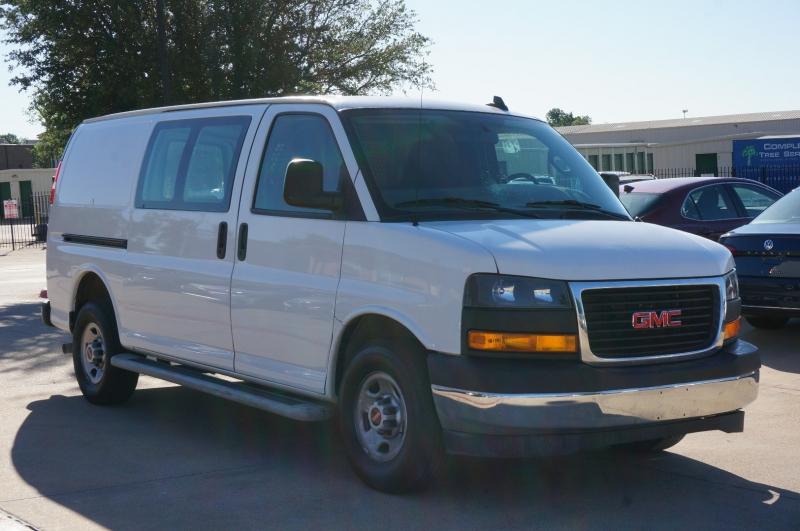 GMC Savana Cargo Van 2019 price $29,900
