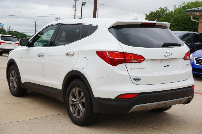 Hyundai Santa Fe Sport 2015 price $14,450