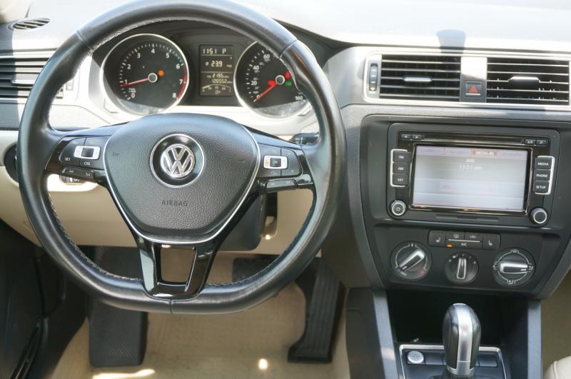Volkswagen Jetta Sedan 2015 price $10,450
