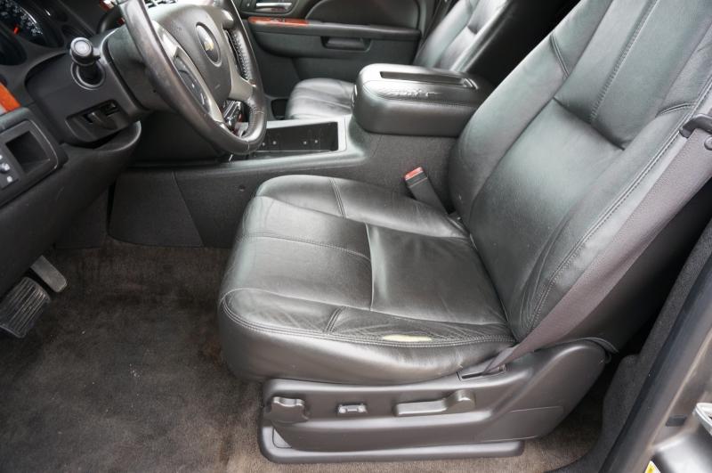 Chevrolet Suburban 2012 price $15,950