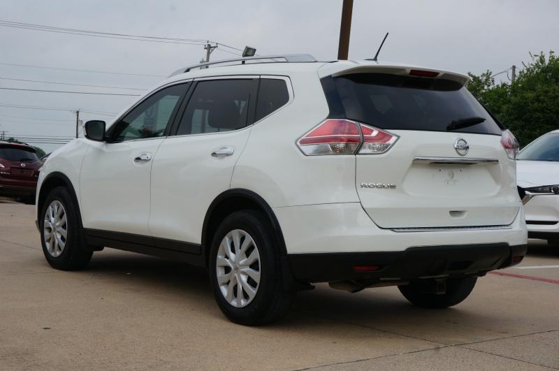 Nissan Rogue 2016 price $17,950