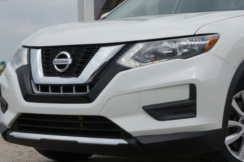Nissan Rogue 2017 price $16,950