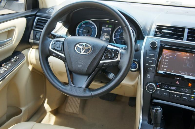 Toyota Camry 2017 price $18,950