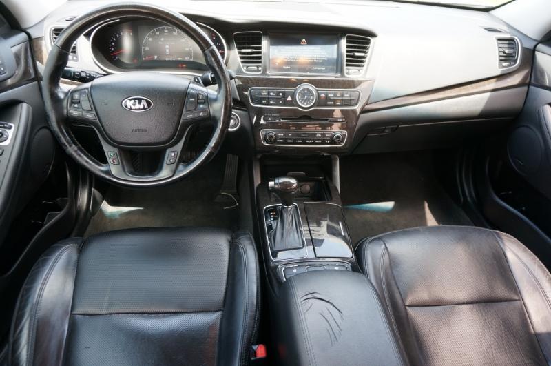 Kia Cadenza 2014 price $13,995