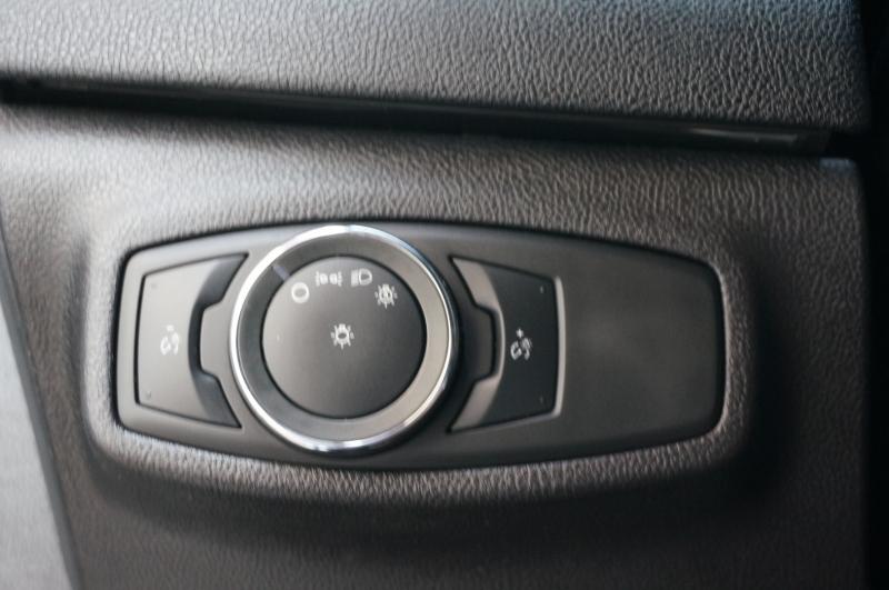 Lincoln MKC 2016 price $16,750