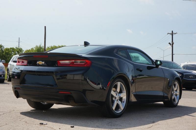 Chevrolet Camaro 2018 price $26,900