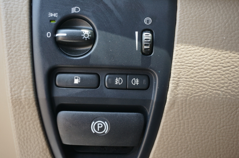 Volvo XC90 2011 price $9,950