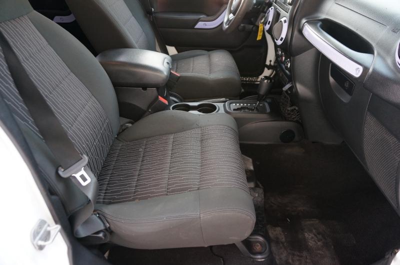 Jeep Wrangler Unlimited 2011 price $16,900