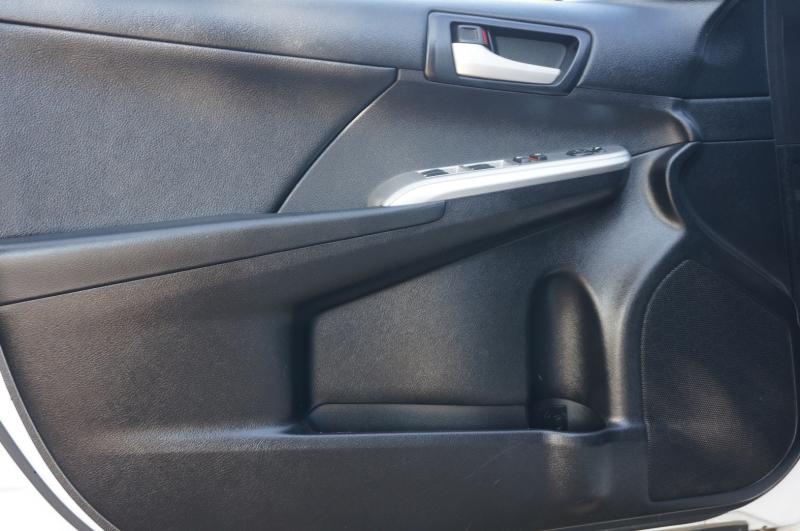 Toyota Camry 2014 price $12,950