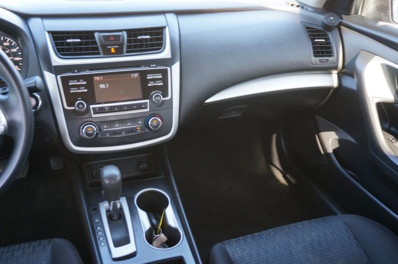 Nissan Altima 2016 price $12,550