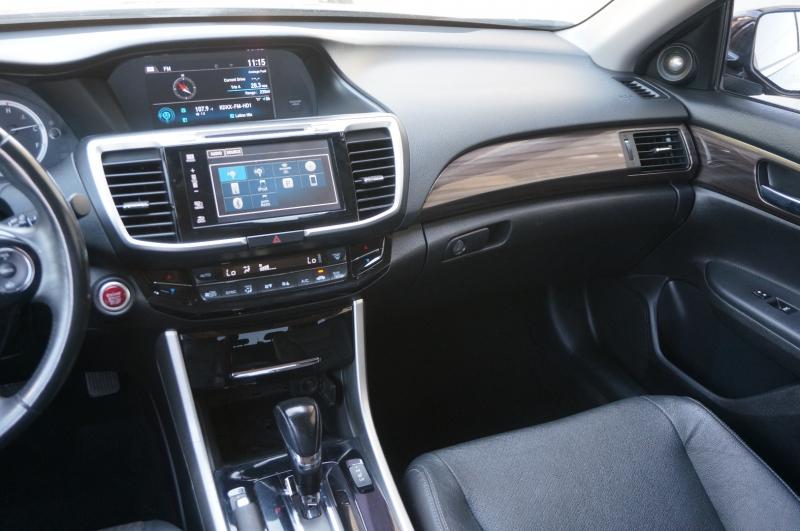 Honda Accord Sedan 2016 price $17,900