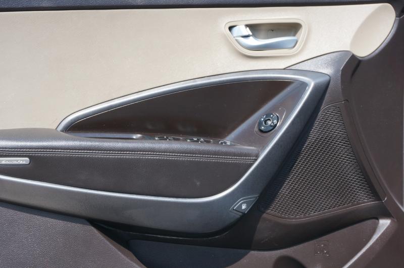 Hyundai Santa Fe 2013 price $11,900