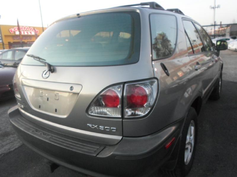 LEXUS RX 300 2001 price $5,595