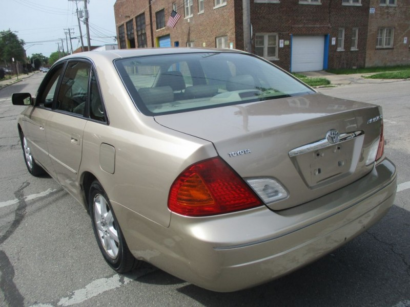 TOYOTA AVALON 2002 price