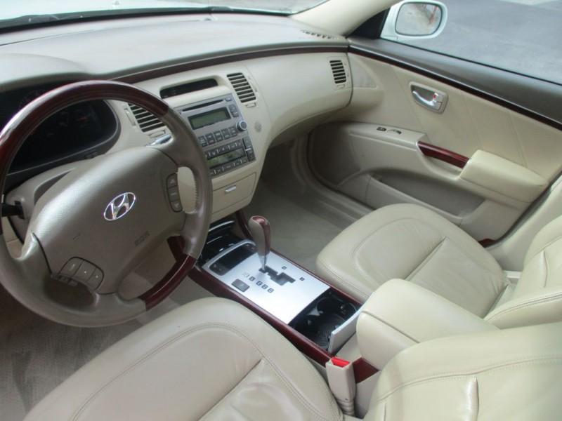 HYUNDAI AZERA 2007 price $5,495
