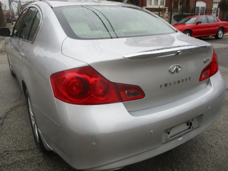 INFINITI G37 2011 price