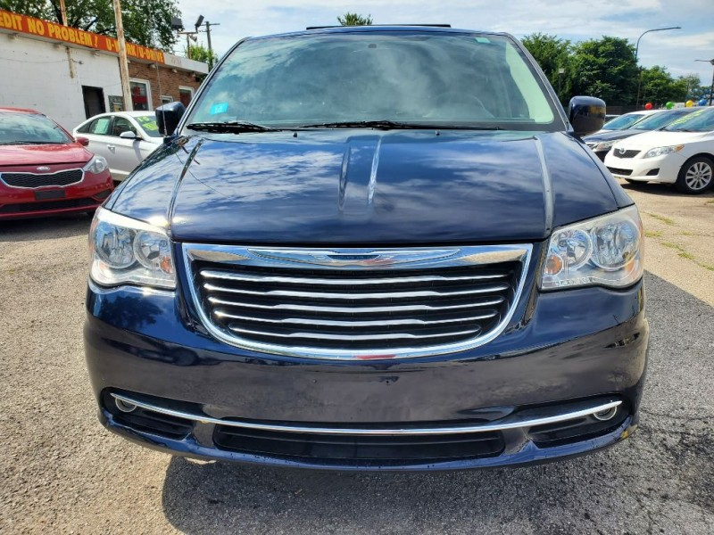 CHRYSLER TOWN & COUNTRY 2012 price Call for price