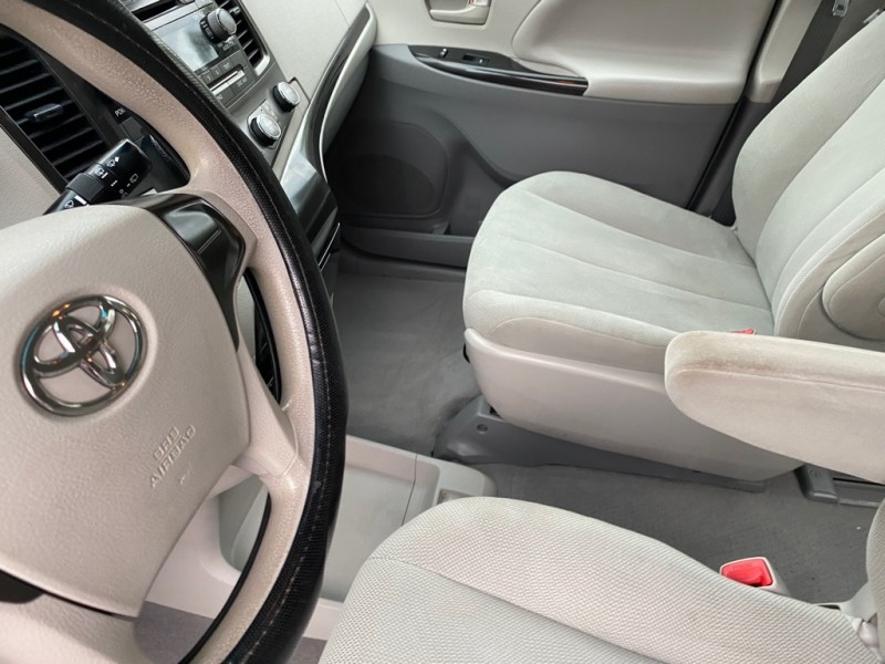 TOYOTA SIENNA 2011 price Call for price