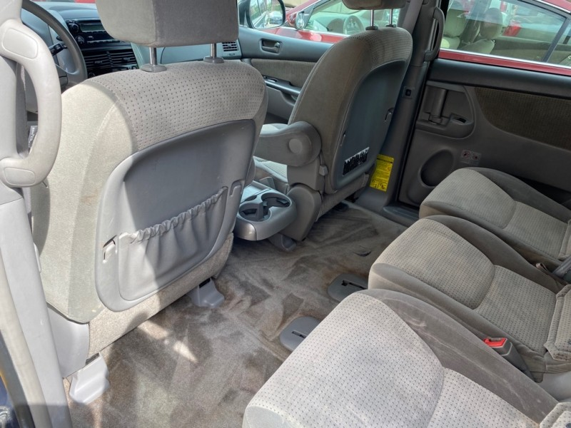 TOYOTA SIENNA 2009 price Call for price