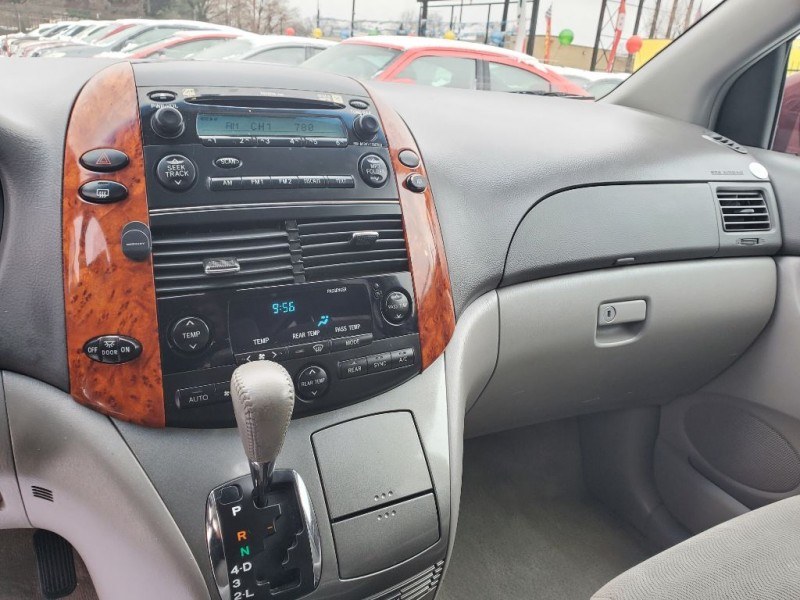 TOYOTA SIENNA 2006 price Call for price