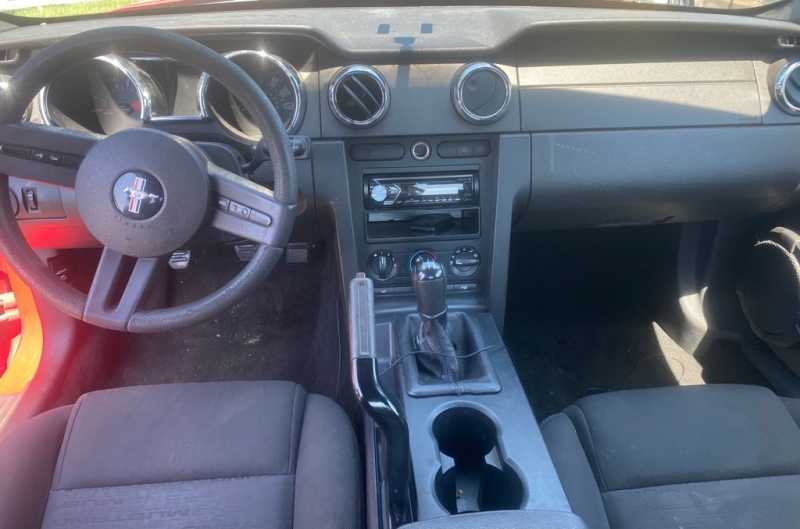 FORD MUSTANG 2005 price $6,499