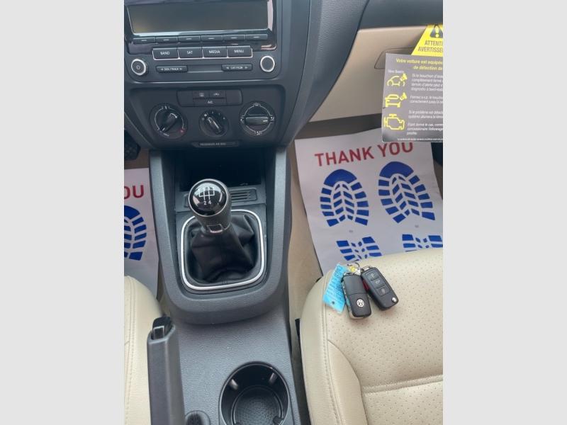 Volkswagen Jetta Sedan SE 2014 price $9,490