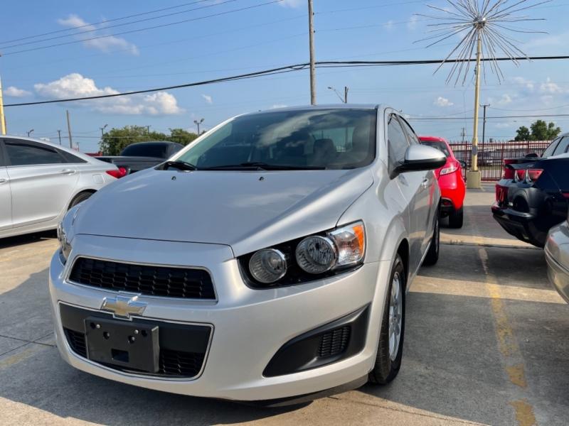 Chevrolet Sonic 2016 price $10,390