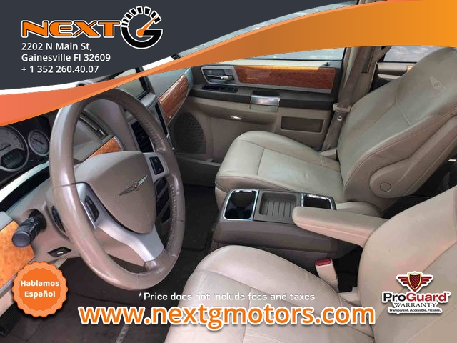 Chrysler Town & Country 2008 price $5,300