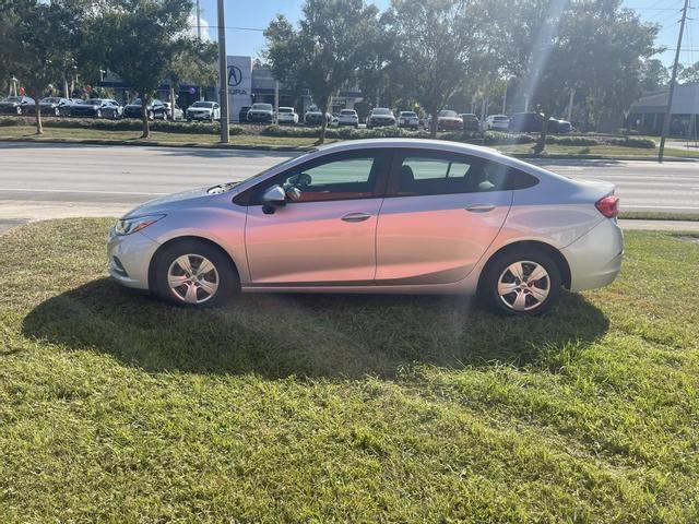 Chevrolet Cruze 2018 price $14,300